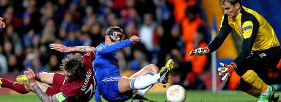 Chelseas Torres stochert die Kugel zum 1:0 gegen Kasan über die Linie.