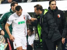 Großer Wermutstropfen: Augsburgs Trainer Markus Weinzierl muss wohl eine Zeit lang auf Angreifer Raul Bobadilla verzichten.