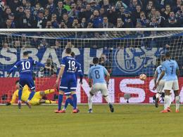 Schalke verpasst Überraschung - ManCity siegt zu zehnt