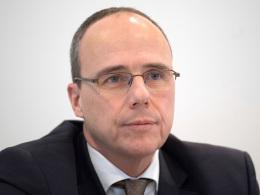 Beuth kritisiert die Eintracht-Führung