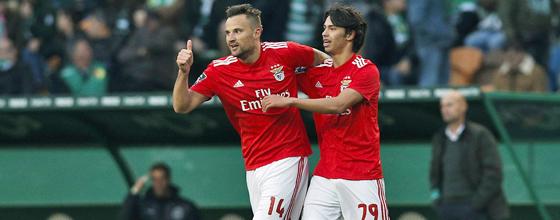 Daumen hoch für Benficas Erfolgsduo: Ex-Frankfurter Haris Seferovic (l.) und Joao Felix.