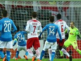 Trotz 0:2 - Leipzig zittert sich ins Achtelfinale