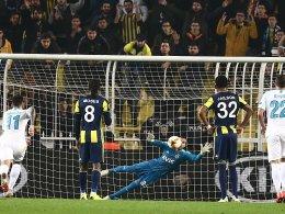Fenerbahce bezwingt Zenit: Slimani trifft, Harun hält