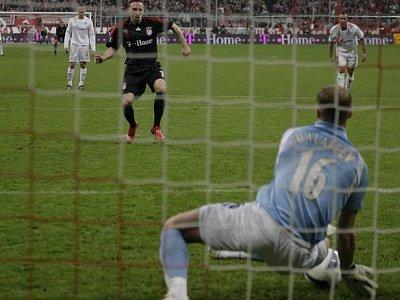Franck Ribery scheitert an Vyacheslav Malafeev