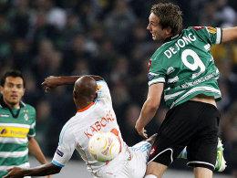 Marseilles Kaboré gegen de Jong (re.)