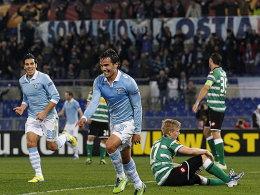 Abgestaubt: Lazios Gonzalez dreht nach seinem Tor zum 2:0 jubelnd ab.