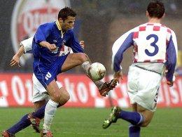 Trotz Stars wie Hasan Salihamidzic (am Ball) fehlte Bosnien lange Zeit bei großen Turnieren