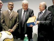 Romario (li.), Ricardo Teixeira und Joseph Blatter (re.)
