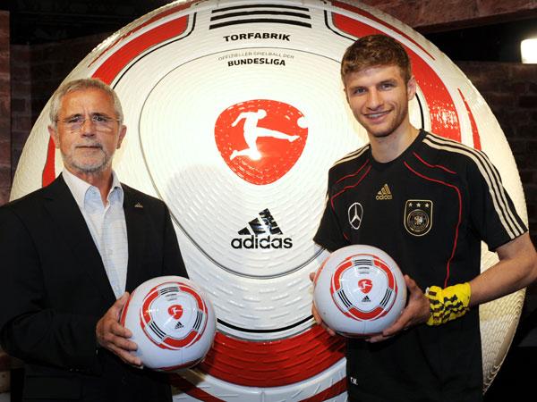 Der neue Bundesliga-Ball: TORFABRIK!