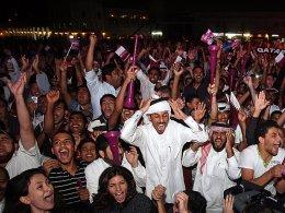 Lautstark feierten die Menschen in Doha die Vergabe der WM 2022 nach Katar.
