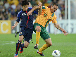 Punkteteilung in Brisbane: Shinji Kagawa gegen Australiens Jade North (re.).