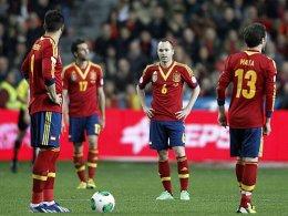 Alvaro Negredo, Arbeloa, Andres Iniesta und Juan Mata
