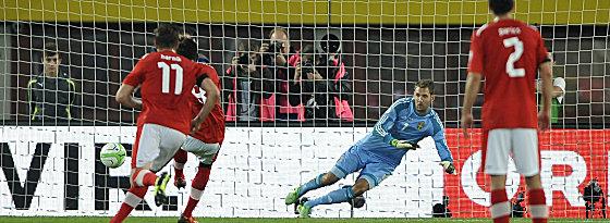 Torwart rechts, Ball links - 1:0! David Alaba gab Österreich den nötigen Schub.
