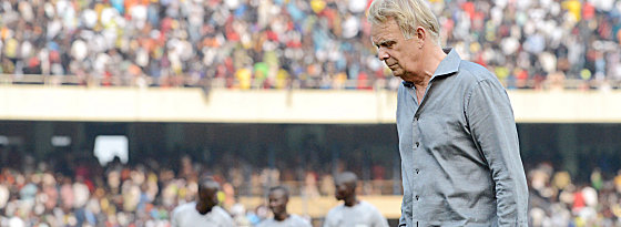 Kameruns Trainer Volker Finke