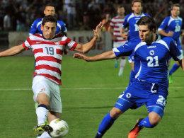 Bekam kein Visum und kann daher nicht an der WM teilnehmen: Bosnien-Herzegowinas Ervin Zukanovic (re.).