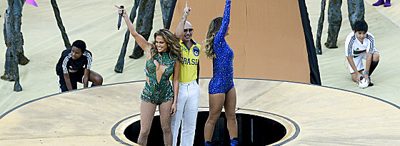 Jennifer Lopez, Pitbull & Claudia Leitte