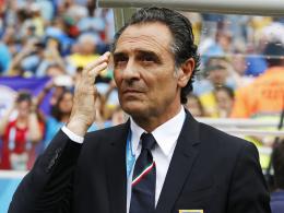 Zieht nach dem Vorrunden-Aus seine Konsequenzen und tritt zurück: Cesare Prandelli.