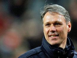 Der ehemalige Bondscoach Marco van Basten glaubt an den WM-Titel und verteidigt die defensive Spielweise der Elftal.
