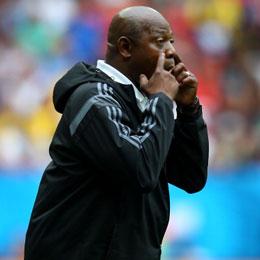 War sichtlich mit der Leistung des Unparteiischen nicht zufrieden: Nigerias Stephen Keshi.