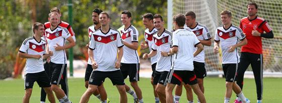 Die deutshen Nationalspieler am Samstag bei einer lockeren Trainingseinheit