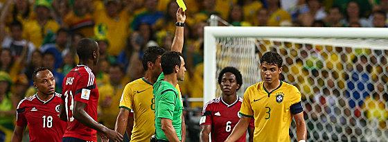 Thiago Silva sieht Gelb