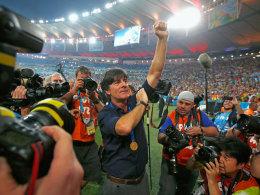 Joachim Löw jubelt nach dem WM-Finale gegen Argentinien