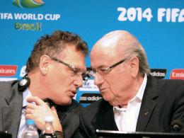 FIFA-Boss Joseph S. Blatter (re.) und FIFA-Generalsekretär Jerome Valcke.