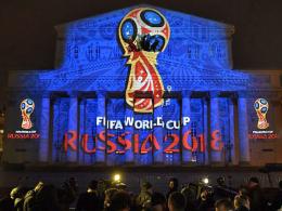 Das Emblem der WM 2018 wurde auf dem historischen Bolschoi-Theater in Moskau abgebildet.