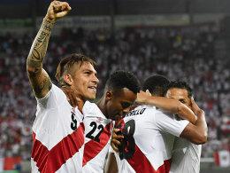 Peru mit Guerrero und Farfan zur WM