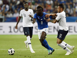 Nicht überzeugt: Tolisso und Dembelé droht die Bank