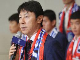 Südkoreas Mannschaft bei Rückkehr mit Eiern beworfen