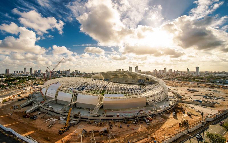 Natal, eine Stadt am östlichsten Zipfel Brasiliens, musste sich mächtig ins Zeug legen, um einer der zwölf Austragungsort der Weltmeisterschaft 2014 zu werden. Extra für die Titelkämpfe wurde ein neues Stadion gebaut: das Estádio das Dunas.