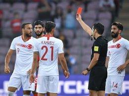 Tosun tickt aus - Platzsturm beendet Türkei-Spiel