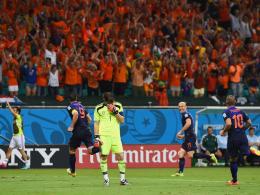 Robin van Persie, Iker Casillas, Arjen Robben & Wesley Snijder