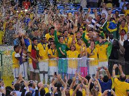 Brasilianische Helden: Die Seleçao feiert den Confed-Cup-Sieg.