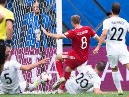 Smolov entscheidet das Eröffnungsspiel