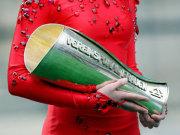 DFB-Pokal der Frauen: Um diesen Pokal geht es im Jahr 2010 in Köln.