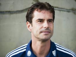 Bindet sich langfristig: Wolfsburgs Trainer Ralf Kellermann unterschreibt bis 2014.