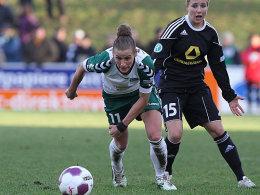 Simone Laudehr (l.) und Svenja Huth