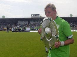Hält ihrem VfL die Treue: Alexandra Popp hat ihren Vertrag bei Meister Wolfsburg verlängert.