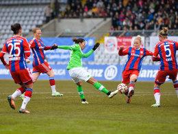 Allein unter Bayern: Spitzenreiter Wolfsburg hielt sich den FC Bayern mit einem torlosen Remi