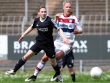 Lena Schulte vom SV (li.) im Duell mit Bayerns Dagny Brynjarsdottir.