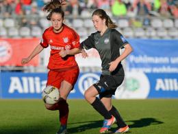 Sara Däbritz (li.) traf spät zum Siegtreffer für den FC Bayern München.