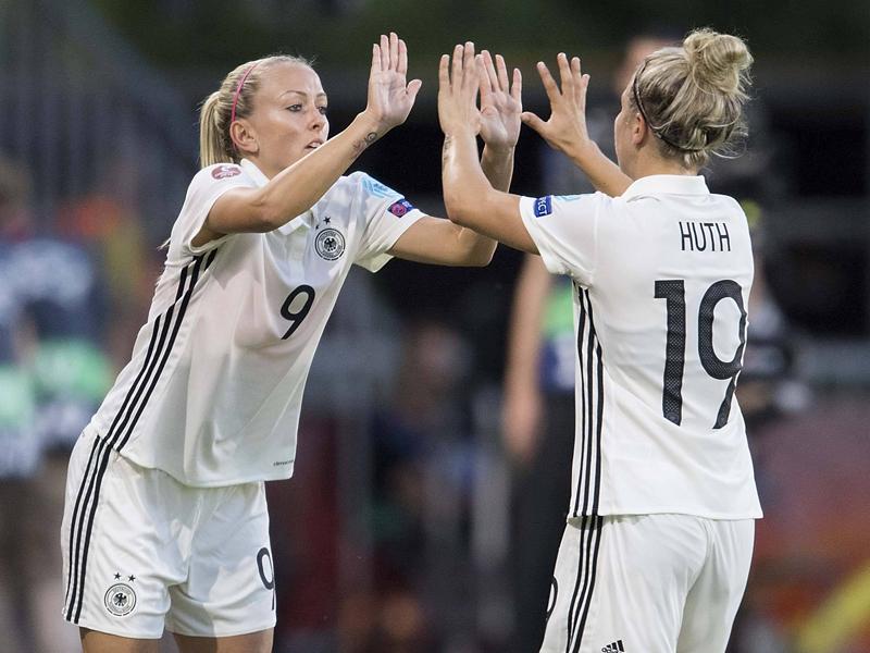 DFB-Frauen erkämpfen sich ersten Sieg