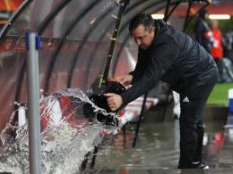 Bilder: Regenfälle in Rotterdam führen zum Ausfall
