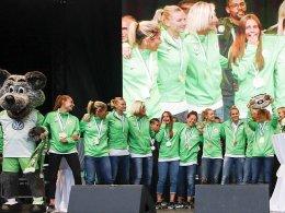 Besser spät als nie: Wolfsburger Frauen feiern Titel