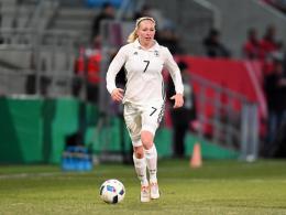 Lange Pause: Nationalspielerin Bremer bricht sich Bein