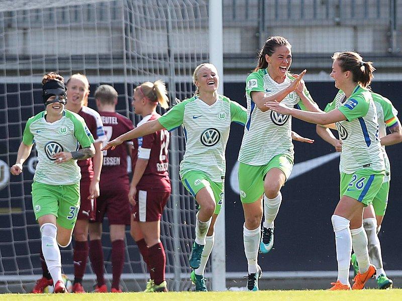 Der VfL Wolfsburg erreicht mühelos das Finale und freut sich auf den FC Bayern