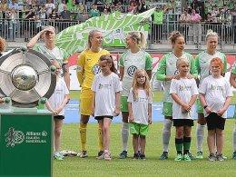 Wölfinnen torlos zur Meisterfeier - FCB Zweiter