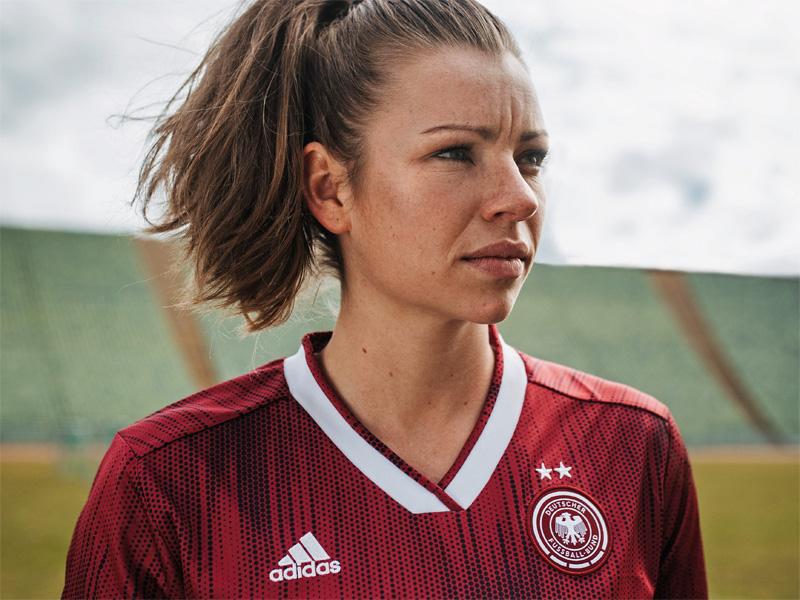 Neues Frauen Trikot Fur Die Weltmeisterschaft Vorgestellt